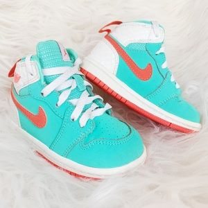 NIKE | Baby Girl size 6 orange and teal Jordan's
